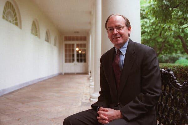 Steve Ricchetti in the Rose Garden at the White House in 2000.